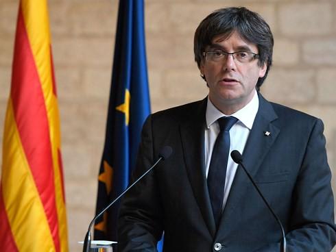 Tây Ban Nha yêu cầu Nghị viện Catalonia tìm người thay ông Puigdemont - Ảnh 1.