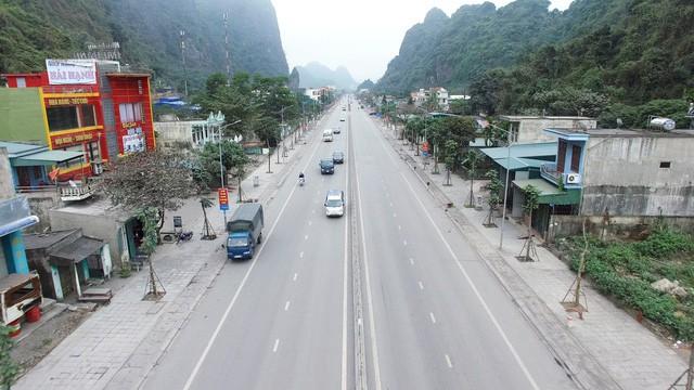 Cận cảnh con một vài con phố kết nối hai thành thị lớn nhất Quảng Ninh sau khi được cải tạo - Ảnh 3.