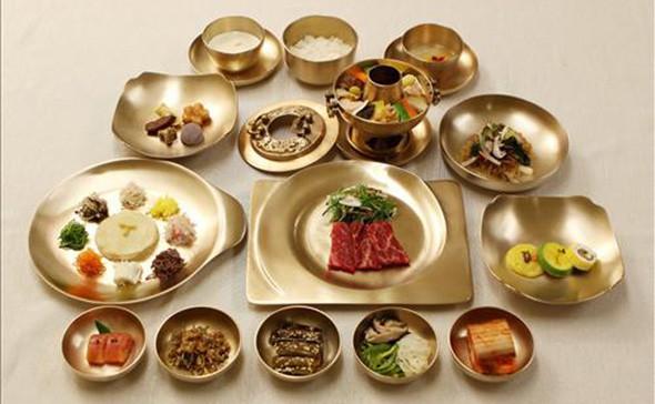 Điều đặc biệt về thực đơn bữa trưa Tổng thống Hàn Quốc chiêu đãi em gái ông Kim Jong Un - Ảnh 1.