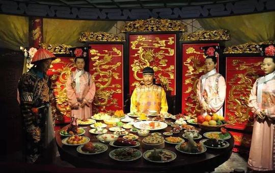 Những nghi thức đón Tết trong hoàng tộc nhà Thanh - Ảnh 4.