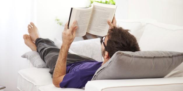 Làm sao để đọc 30+ cuốn sách một năm: Hệ thống đơn giản này sẽ giúp bạn đọc được rất nhiều sách hơn trong năm mới - Ảnh 1.