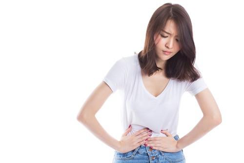 Chuyên gia đầu ngành tiêu hóa chỉ cách đoán bệnh qua vị trí đau vùng bụng ai cũng nên biết - Ảnh 2.