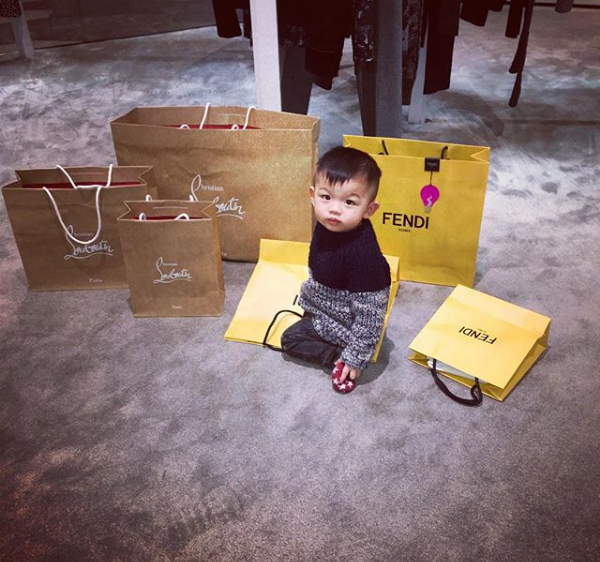 Mỏi mắt ngắm những chiến tích mua sắm của các tiểu thư Hội con nhà giàu Việt - Ảnh 25.