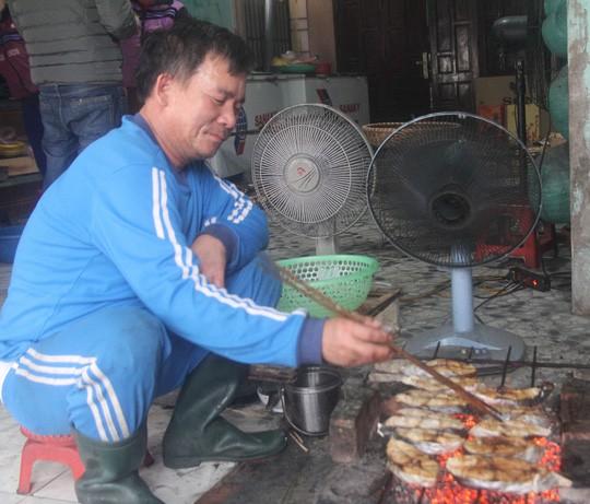 Thơm ngon đặc sản cá thu nướng Cửa Lò - Ảnh 1.