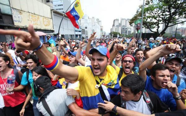 ICO quốc gia của Venezuela đã bắt đầu mở bán: 6 tỷ USD, đồng tiền bản vị dầu đầu tiên trên thế giới - Ảnh 1.