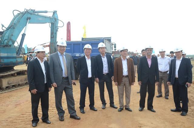 Chủ tịch Huỳnh Đức Thơ: Đà Nẵng đang gặp rắc rối về vấn đề môi trường - Ảnh 2.