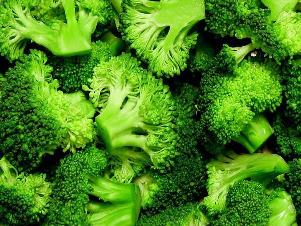 Ăn sống 8 loại thực phẩm này có thể gây nguy hiểm tính mạng - Ảnh 3.