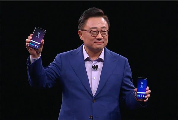 Công nhân Samsung Việt Nam thức đêm chào đón bộ đôi Galaxy S9 và S9+  do chính tay mình làm ra - Ảnh 2.