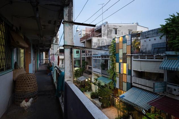 Nằm nghe nắng mưa qua những ô cửa đa sắc của ngôi nhà độc đáo ở Quận 3 Sài Gòn - Ảnh 13.
