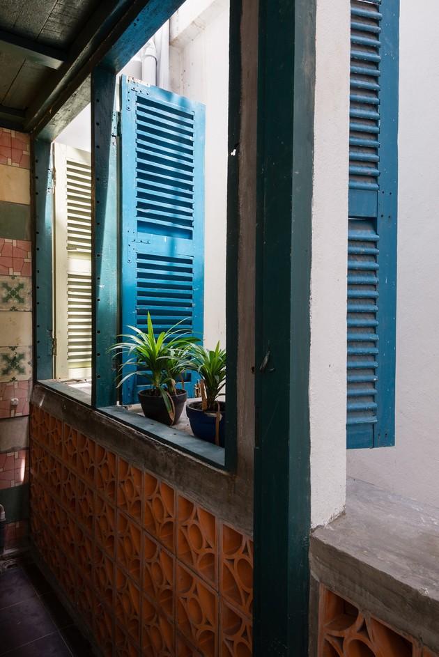 Nằm nghe nắng mưa qua những ô cửa đa sắc của ngôi nhà độc đáo ở Quận 3 Sài Gòn - Ảnh 17.