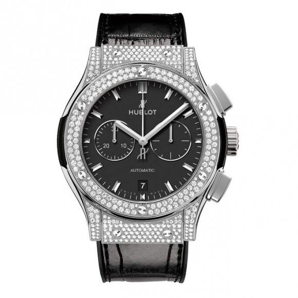 Ngoài chiếc Hublot hơn 400 triệu sắm để chơi Tết, BST đồng hồ đáng mơ ước của HH Kỳ Duyên còn có những gì? - Ảnh 3.