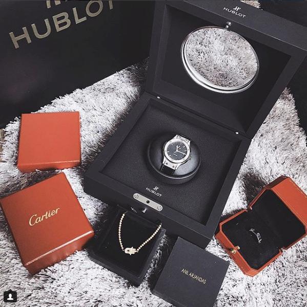HH Kỳ Duyên đập hộp chiếc Hublot 400 triệu: 138 viên kim cương và là niềm mơ ước của dân chơi sành sỏi - Ảnh 3.