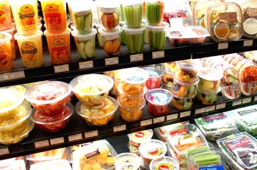 Phát hiện 86% trẻ vị thành niên nhiễm hóa chất gây ung thư vú và ung thư tuyến tiền liệt từ chai nhựa, bao bì đóng gói thực phẩm - Ảnh 1.