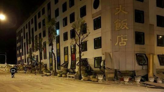 Động đất kinh hoàng ở Đài Loan, hơn 100 người thương vong - Ảnh 2.