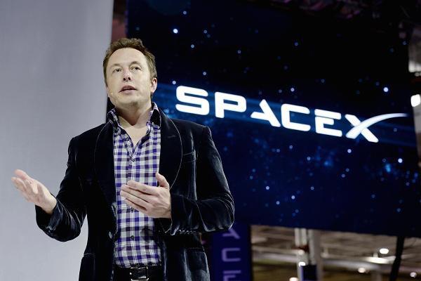 Bạn có tin nổi không: Jeff Bezos đăng Tweet chúc mừng SpaceX phóng tên lửa vào vũ trụ, Elon Musk vào thả emoji nụ hôn - Ảnh 3.