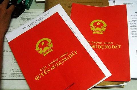 Kiến nghị nới thời hạn cấp sổ đỏ cho nhà đất mua bán bằng giấy viết tay - Ảnh 1.