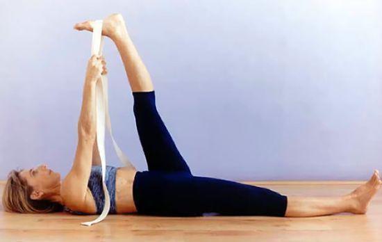 Giảm đau và căng cứng cơ thắt lưng với những bài tập siêu đơn giản tại nhà - Ảnh 2.