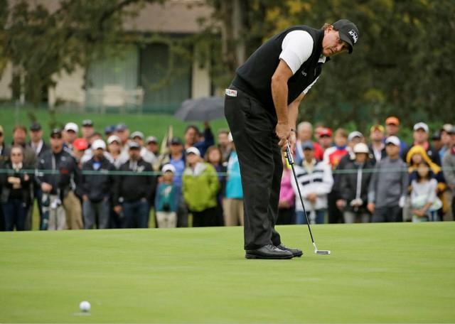 Golfer tay trái hay nhất mọi thời đại: Cuộc đời không có gì là trọn vẹn, chấp nhận thất bại cũng là một cách thành công - Ảnh 2.