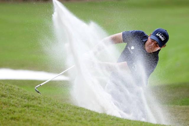Golfer tay trái hay nhất mọi thời đại: Cuộc đời không có gì là trọn vẹn, chấp nhận thất bại cũng là một cách thành công - Ảnh 4.
