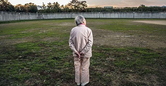 Nguyên nhân nào khiến nhiều phụ nữ Nhật cao tuổi ăn cắp để được ở tù?