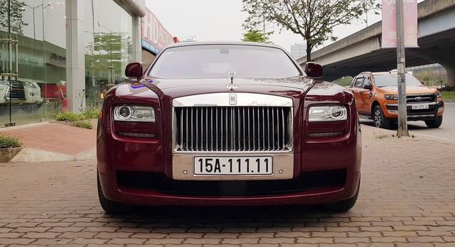 Cận cảnh Rolls-Royce Ghost biển ngũ quý 1 được rao bán lại giá 11,5 tỷ đồng - Ảnh 2.