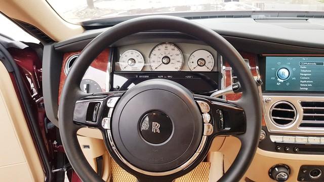 Cận cảnh Rolls-Royce Ghost biển ngũ quý 1 được rao bán lại giá 11,5 tỷ đồng - Ảnh 11.