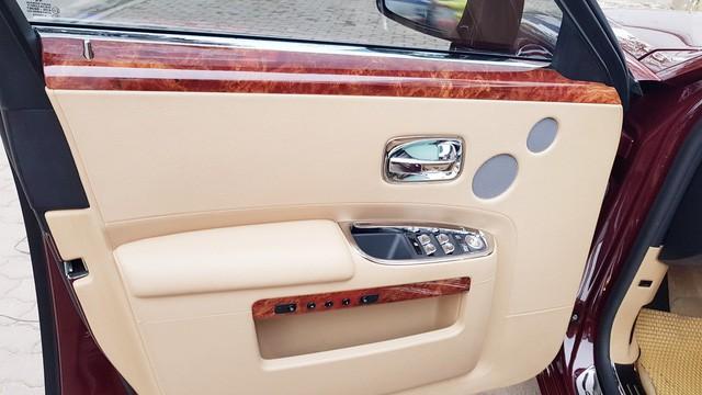 Cận cảnh Rolls-Royce Ghost biển ngũ quý 1 được rao bán lại giá 11,5 tỷ đồng - Ảnh 12.