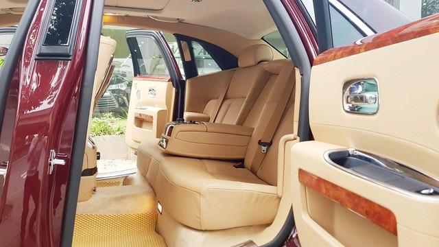 Cận cảnh Rolls-Royce Ghost biển ngũ quý 1 được rao bán lại giá 11,5 tỷ đồng - Ảnh 13.