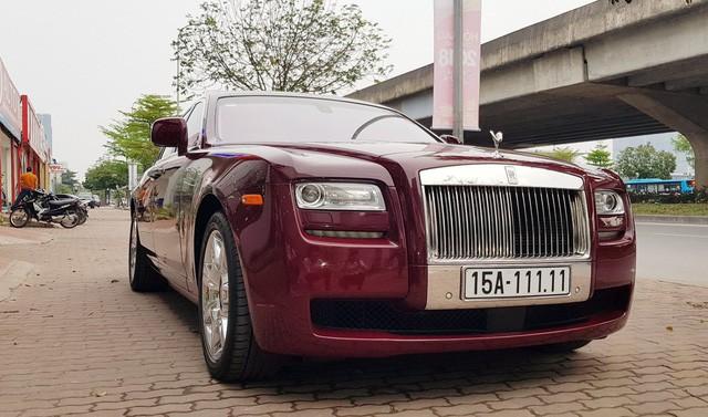 Cận cảnh Rolls-Royce Ghost biển ngũ quý 1 được rao bán lại giá 11,5 tỷ đồng - Ảnh 3.