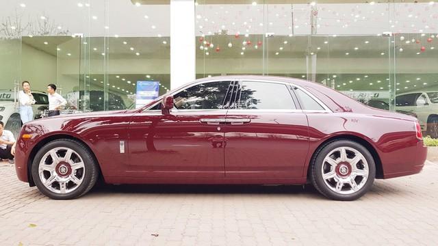 Cận cảnh Rolls-Royce Ghost biển ngũ quý 1 được rao bán lại giá 11,5 tỷ đồng - Ảnh 5.
