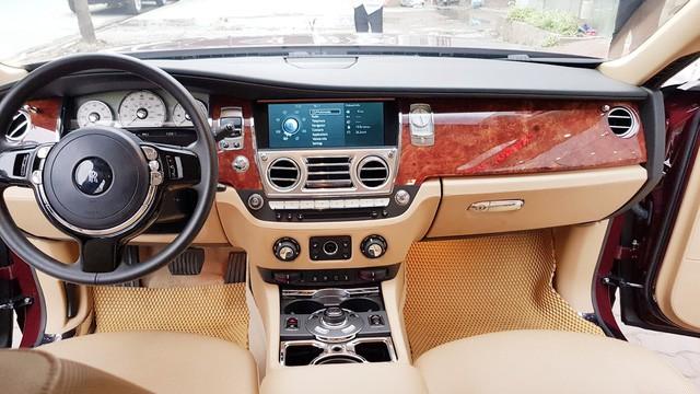 Cận cảnh Rolls-Royce Ghost biển ngũ quý 1 được rao bán lại giá 11,5 tỷ đồng - Ảnh 8.