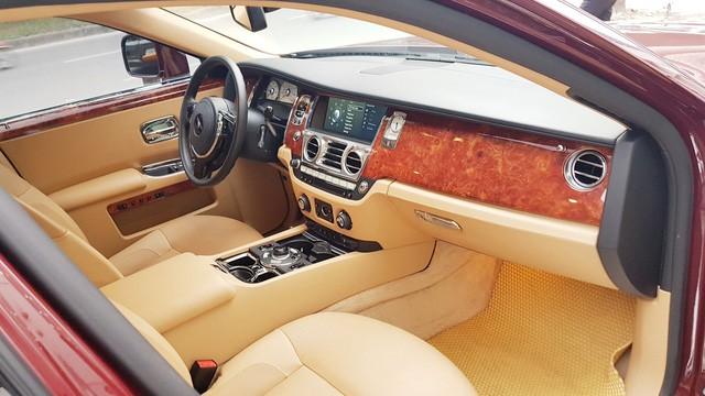 Cận cảnh Rolls-Royce Ghost biển ngũ quý 1 được rao bán lại giá 11,5 tỷ đồng - Ảnh 9.