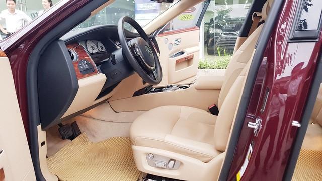 Cận cảnh Rolls-Royce Ghost biển ngũ quý 1 được rao bán lại giá 11,5 tỷ đồng - Ảnh 10.