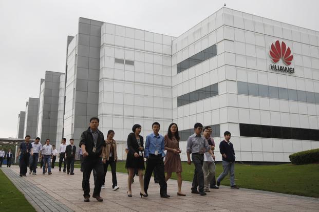 Còng tay bạc của Huawei: Khi mọi nhân viên đều nắm cổ phần công ty, ai ai cũng sẽ làm việc như ông chủ đích thực - Ảnh 2.