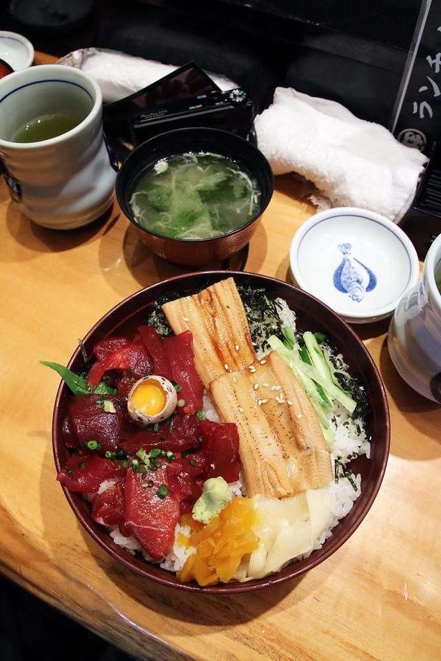 Blogger nổi tiếng Mark Wiens chia sẻ hành trình khám phá quán sushi cực ngon ở Tokyo - Ảnh 4.