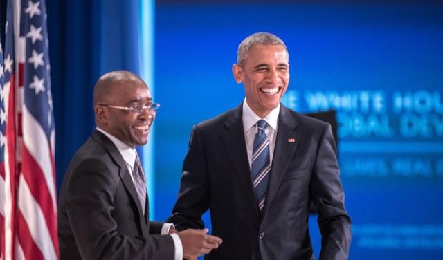 Khởi nghiệp ở đất nước lạm phát 231 triệu %, người đàn ông này vẫn tìm ra cơ hội, trở thành tỷ phú đôla và được ông Obama hết lời ca ngợi - Ảnh 1.