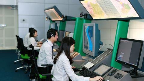 Người nước ngoài xâm nhập trụ sở quản lý bay miền Nam - Ảnh 1.