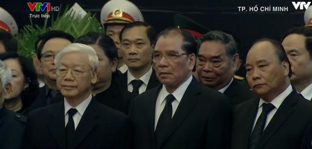 Nhiều đoàn lãnh đạo đến viếng cố Thủ tướng Phan Văn Khải tại Hội trường Thống Nhất - Ảnh 22.