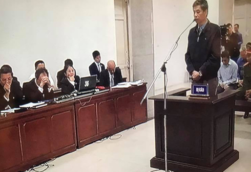 Phiên tòa sáng 23/3: Luật sư đề nghị không tuyên Nguyễn Xuân Sơn tội cố ý làm trái - Ảnh 1.