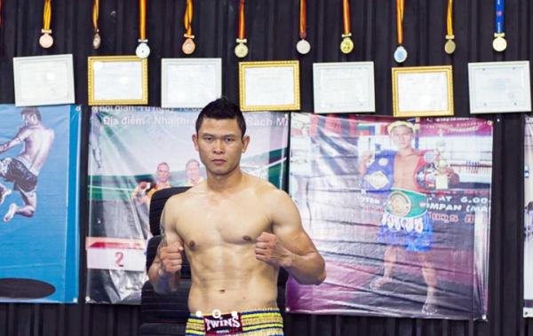 Khiêu khích 'Vua' Kickboxing Việt Nam, thanh niên Bình Định bị đấm 1 phát ngất xỉu 15 phút - Ảnh 2.