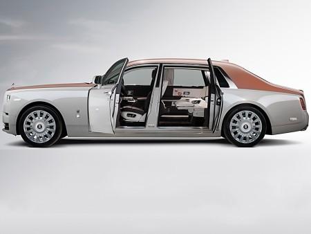 Cận cảnh Rolls-Royce Phan Tom VIII: Siêu xe sang khiến bạn cách biệt hoàn toàn thế giới bên ngoài  - Ảnh 9.