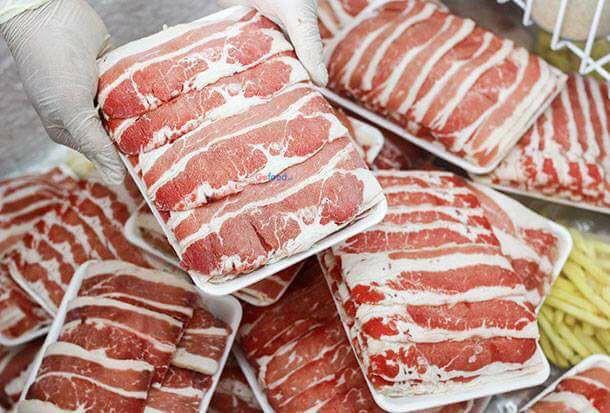 Thịt bò Mỹ, Úc đông lạnh giá rẻ có phải là hàng hết hạn sử dụng? - Ảnh 2.