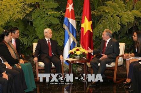 Tổng Bí thư Nguyễn Phú Trọng hội đàm với Chủ tịch Cuba Raul Castro - Ảnh 2.
