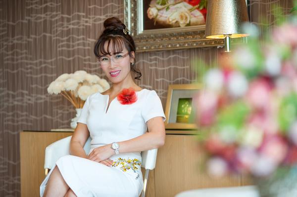 Xếp thứ 55 trong danh sách những phụ nữ quyền lực nhất thế giới của Forbes, tỷ phú Nguyễn Thị Phương Thảo vẫn không quên thiên chức làm vợ, làm mẹ - Ảnh 1.