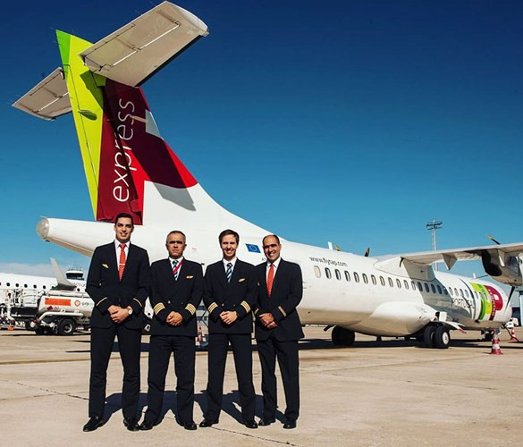 Hãng hàng không có phi hành đoàn điển trai nhất thế giới - Ảnh 14.