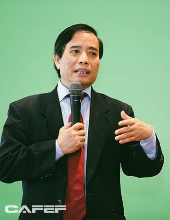 PGS.TS Vũ Minh Khương: Những quốc gia phát triển thần kỳ như Singapore, Hàn Quốc đều xuất phát từ người đứng đầu khóc trước số phận của dân tộc - Ảnh 2.