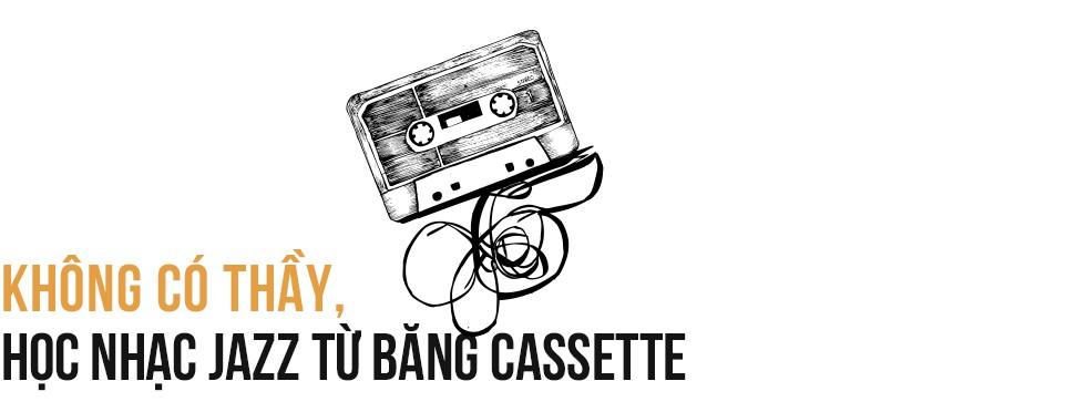 """Saxophone Quyền Văn Minh: Từ cậu thiếu niên học Jazz bằng băng cassette đến """"Huyền thoại sống Jazz Việt Nam"""" - Ảnh 2."""