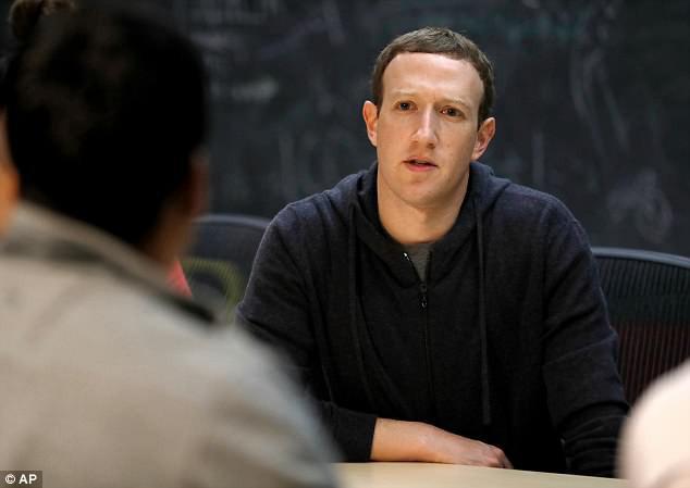 Facebook sẽ thay đổi nếu người dùng chịu đổi thay - Lời nhắn gửi từ cánh tay phải của Mark Zuckerberg - Ảnh 2.