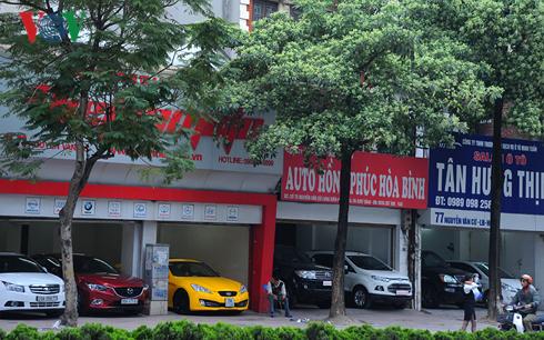 Thị trường ô tô cũ: Bán chẳng ai mua - Ảnh 1.