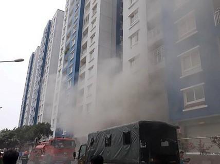 Thông tin mới nhất vụ cháy chung cư Carina và chuyện bồi thường - Ảnh 1.